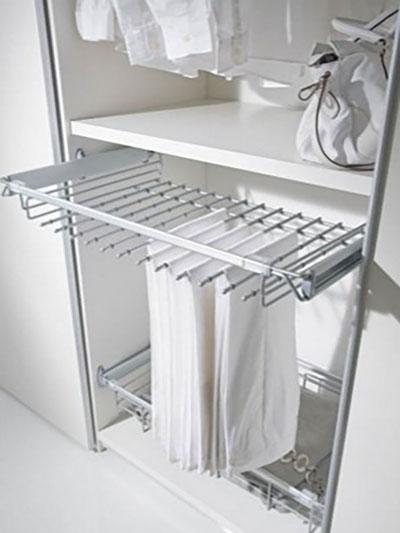 ящики для одежды белого цвета